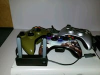 black Xbox 360 console with controllers Naperville, 60564