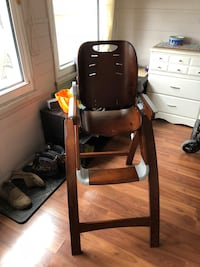 Bentwood Summer Infant Highchair Port Hope, L1A