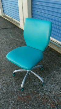 teal and black rolling armchair Dallas, 75231