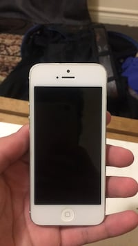 iPhone 5 great condition works best ! Toronto, M5T 2H9