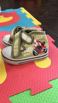 toddler's pair of green-and-white high top sneakers Huron-Kinloss, N0G