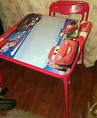 used little kids lightning mcqueen table and 2 chairs for sale in piqua letgo. Black Bedroom Furniture Sets. Home Design Ideas