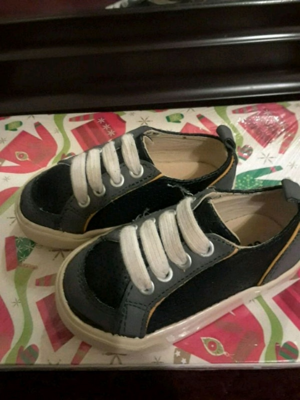 171d312bae7a Fresno Içinde Ikinci El Satılık Old Navy Size 5 C Children S Shoes. Old  Navy Boys Toddler Shoe In Jabi ...