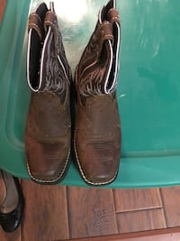 Girls Justin boots size 13
