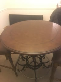 brown wooden round dining table Manassas, 20109