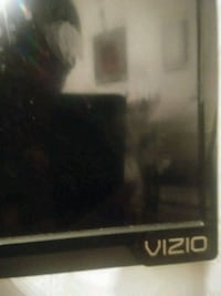 39 inch.Vizio i dont have the remote but tv works Baltimore, 21215