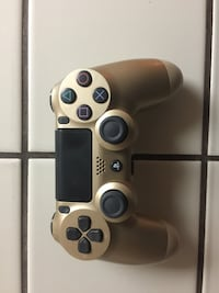 Sony PS4 Gold Controller USED Read Description Bakersfield, 93309