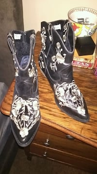 Women's size 10 boots Springfield, 65807