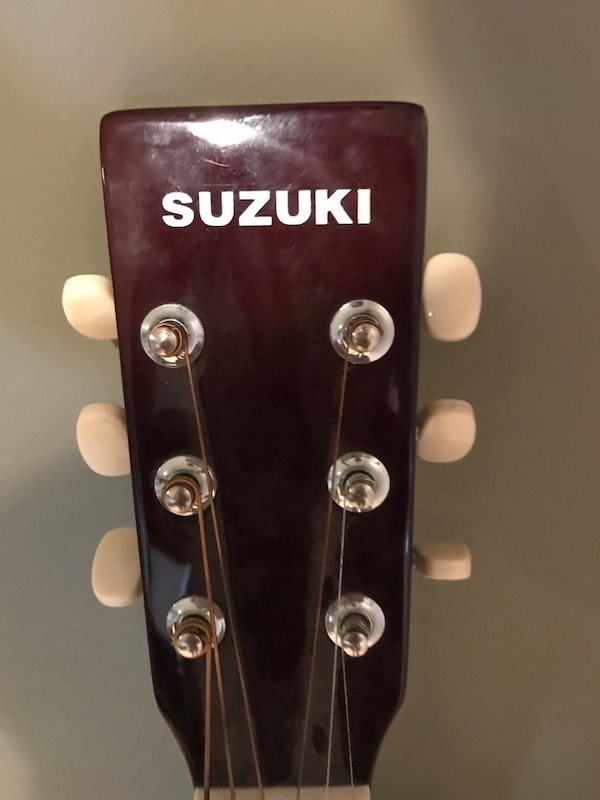 Suzkuki acoustic guitar 1