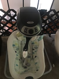 Graco black and gray cradle and swing Virginia Beach, 23452