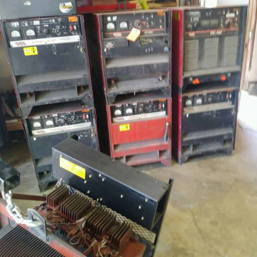 7 Lincoln Electric welders