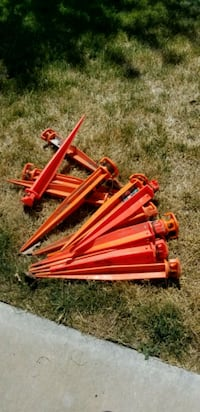 Plastic ground stakes  Clinton, 84015