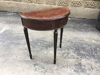 Beautiful side table for sale Toronto, M8Y 3B3