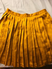 Silky skirt mustard color Oakland, 94610