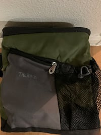 Thermos 12 can cooler bag
