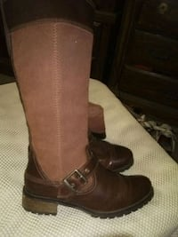 Timber land suede leather boots size 7 and 1/2