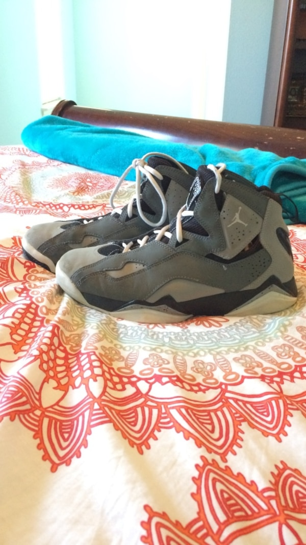 4bcf10a9180 Used Pair of black-and-gray air jordan 7 for sale in Richmond - letgo