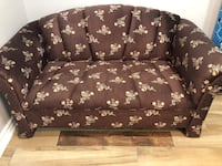 Selling my nice and comfy 2 seats sofa Toronto, M3M 1A9