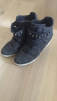 par svarte high-top sneakers Oslo, 1154