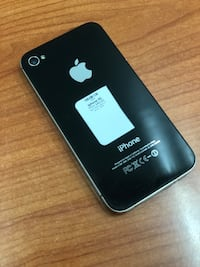 Black iPhone 4s 16GB (CARRIER UNLOCKED)