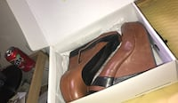 pair of brown leather heeled shoes Sugar Land, 77479
