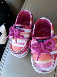 Super Cute Sperrys with  Memory Foam Size 1 Knoxville