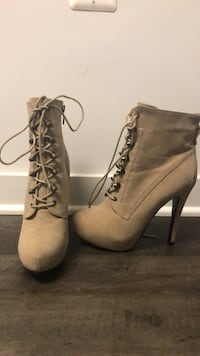 Bakers Fugitive Platform Ankle Booties Silver Spring, 20910