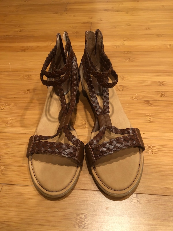 B.O.C . Womens Sandals Size 6.5-7 Strappy Braided Leather Look Shoes