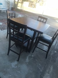 Table with 4 seats