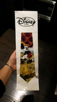 100% silk Mickey mouse tie brand new with cover disney store Toronto, M5A 3H7