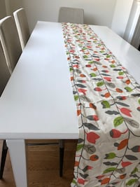 table runner by crate&barrel Mississauga, L4Z