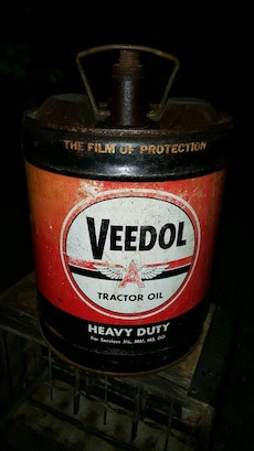 Veedol tractor oil container