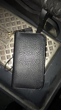 black leather bi-fold wallet Montréal, H8P 1V9