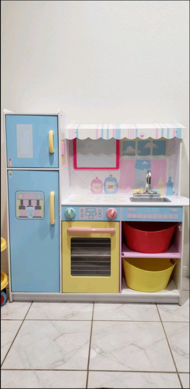Photo Kids Play kitchen