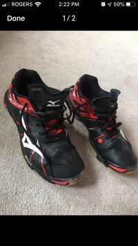 Woman's Mizuno volleyball shoes - woman 9.5