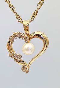 14 karat heart diamond and pearl pendant Fort Erie, L2A