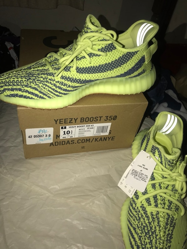 1fe5596e33eb8 Used Yeezy boost 350 V2  Semi Frozen Yellow for sale in Bedford - letgo