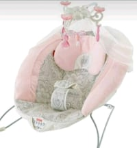 baby's white and pink bouncer Las Vegas, 89103