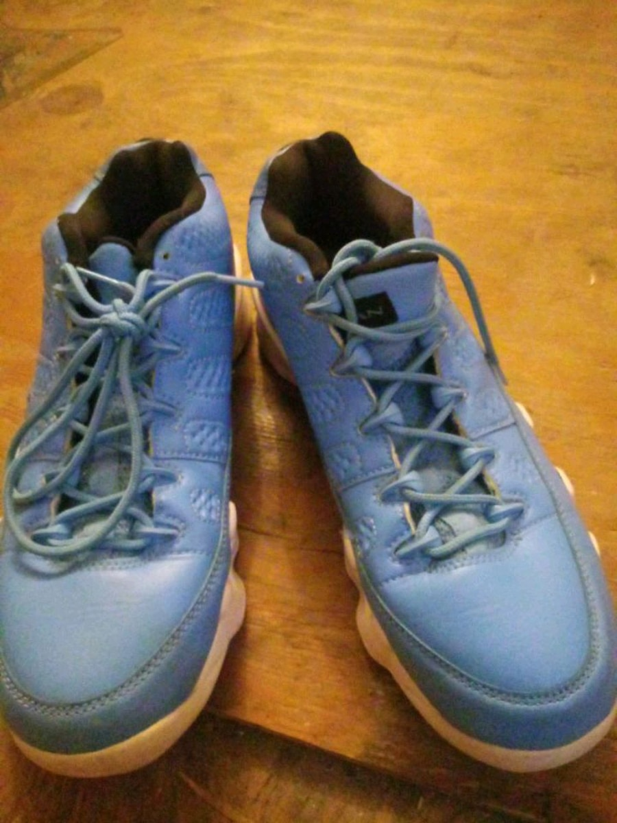 Photo Baby blue Air Jordan's size 8 (new)