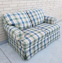 BROYHILL LOVESEAT ???? cheap delivery!  Frisco, 75034