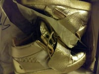 Giuseppe Gold Sneakers NEW IN BOX Camden County, 08012