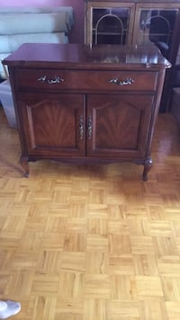 Wooden Buffet Hutch Oakville, L6L 1C3