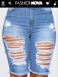 Distressed shorts from fashion nova Halethorpe, 21227