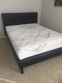 white and black bed mattress Arlington, 22201