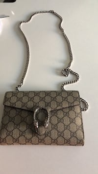 Gucci wallet on a chain Vancouver, V6J 2A2