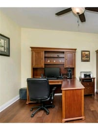 Executive Desk & Hutch Gurnee, 60031