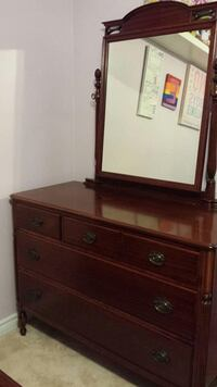 Antique bedroom set Vaughan