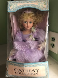 Porcelain Doll Cathay Collection 18 mi