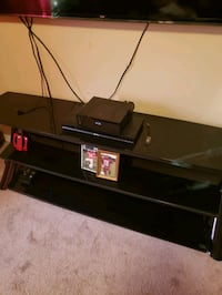 glass tv stand  Henderson, 75652