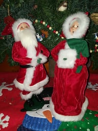 """Santa & Mrs Claus   Approx 13"""" tall   Pick up in E"""